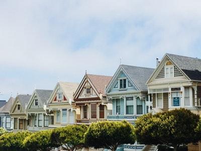 competenze degli agenti immobiliari